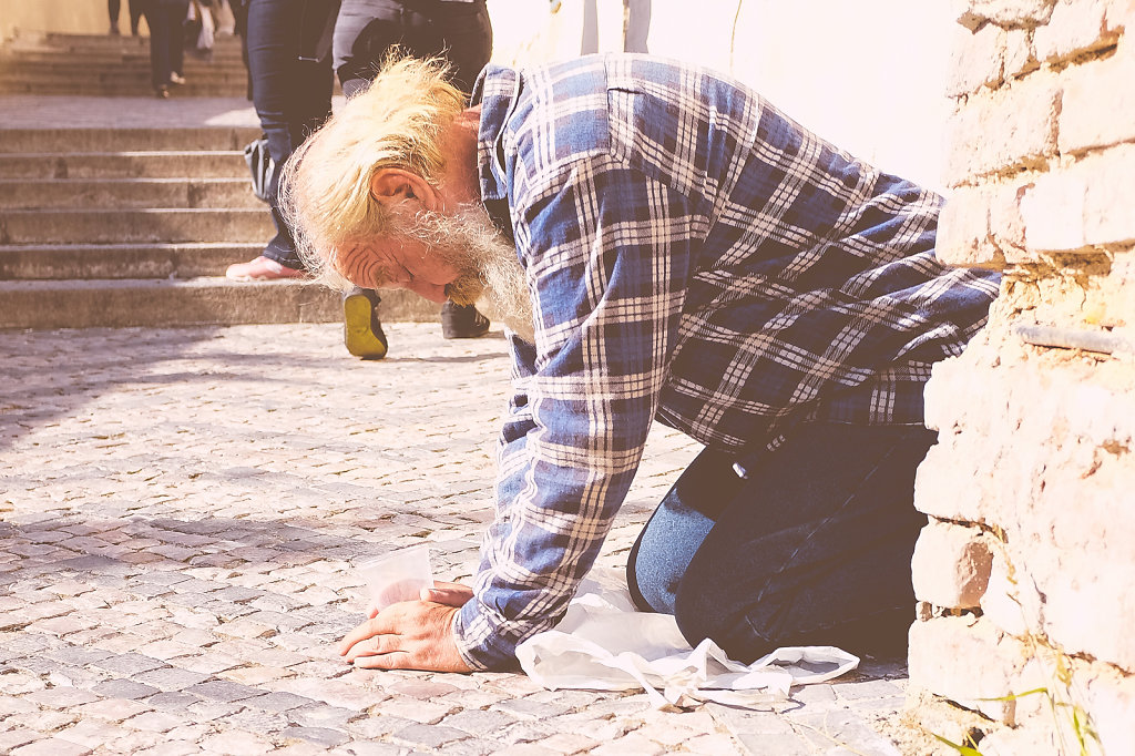 All the beggars in Prague would be on their knees.